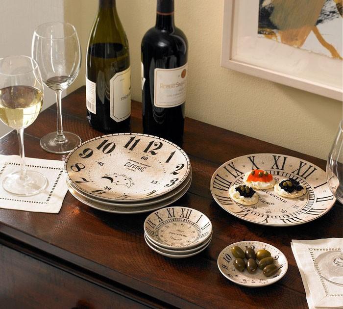 Есть специально созданная для такого торжества посуда, она будет смотреться изысканно и стильно